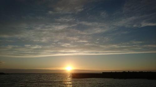 漁港の夕日